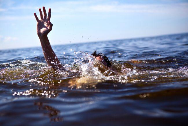 Diver Needs Help