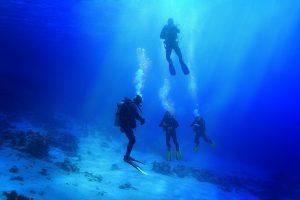 Diver Peeing