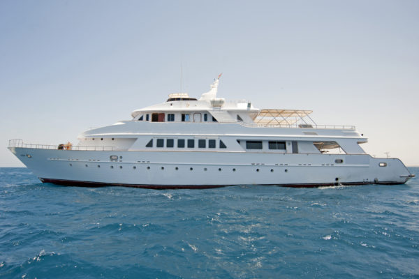 Living and Diving From A Liveaboard